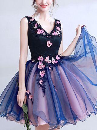 Plus Size Short Graduation Dresses Navy V-neck Lace Floral Beading Mesh Bridesmaid Homecoming Dress