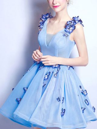 Plus Size Blue Short Graduation Dresses V-neck Butterfly Floral Embroidered Backless Lace-up Homecoming Bridesmaid Dress