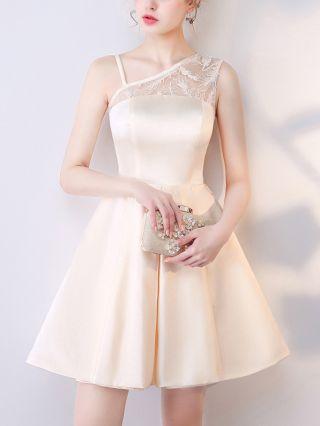 Homecoming Dress Champagne Dress One Shoulder Straps Sleeveless Lace Gauze Stitching Short Satin Bridesmaid Evening Dresses