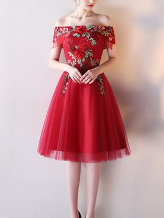 Homecoming Dress Red Dress Off the Shoulder Flowers Embroidery Tassel Gauze Stitching Short Bridesmaid Evening Dresses