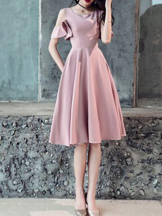 Pale Mauve Dress Cold Shoulder Ruffled Short Sleeve Round Neck Homecoming Dress Solid Color Short Bridesmaid Evening Dresses