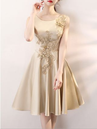 Homecoming Dress Gold Dress Sleeveless Round Neck Handmade Flowers Embroidery Beading Graduation Dress Short Bridesmaid Evening Dresses