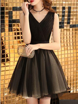 Homecoming Dress Black Dress Sleeveless V-Neck Gauze Short Party Club Evening Dresses