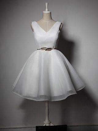 Homecoming Dress White Black Dress Sleeveless V-Neck Hollow Belted Short Bridesmaid Tutu Evening Dresses