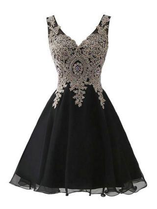 Little Black Dress Sleeveless V-Neck Homecoming Dress Lace Beading Gauze Stitching Short Banquet Evening Dresses
