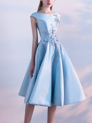 Homecoming Dress Light Blue Dress Sleeveless Round Neck Lace Beading Graduation Dress Midi Bridesmaid Party Evening Dresses