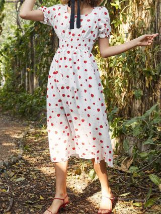 Strawberry Dress White Dress Ruffled Short Sleeve Square Neck Floral Printed Pleated Stitching Maxi Summer Dresses