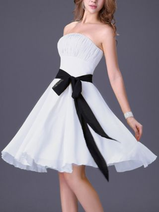 Bridesmaid Dress White Dress Tube Top Pleated Bowknot Lace-up Homecoming Dress Midi Swing Party Evening Dresses