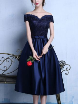 Plus Size Elegant Homecoming Dress Off Shoulder Lace Flowers Stitching Satin Bow-front Midi Party Prom Wedding Dresses