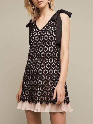 Short Black V-neck Lace Dress Sleeveless A-line Summer Dresses