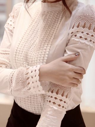 White Hollow Hook Flower Lace Stitching Chiffon Shirt with Long Sleeves